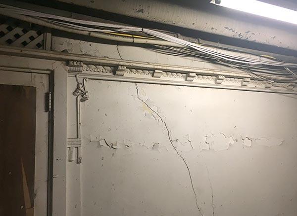 Flatiron basement molding